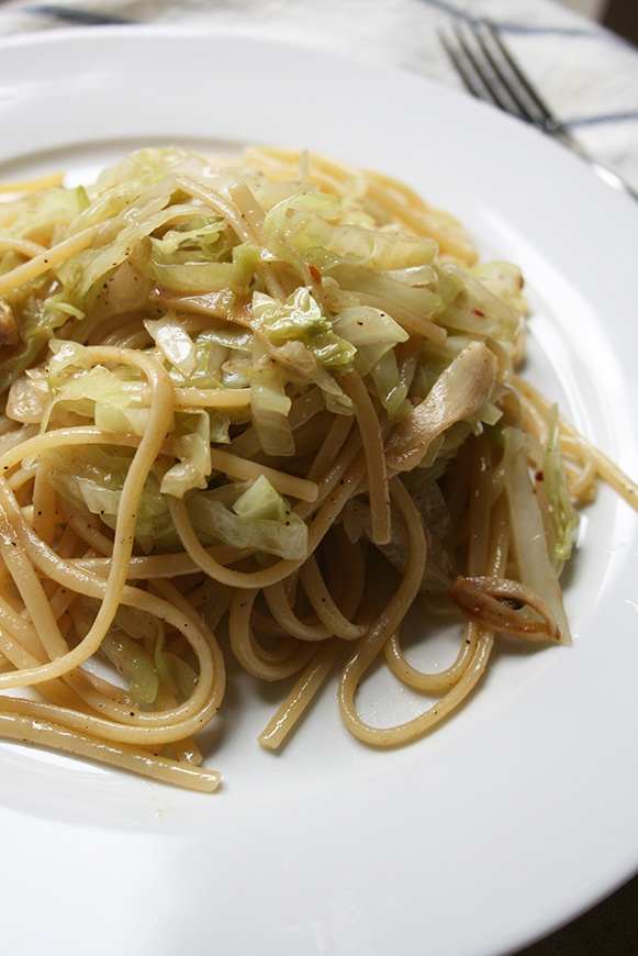 Linguini with Cabbage and Anchovie